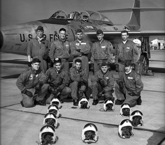 14-MA-1-flight-Jacket-Bomber-lecatalog.com_-1024x899-540x474